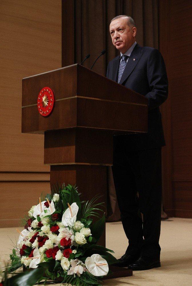 """Cumhurbaşkanı Erdoğan: """"Sanal dünyada da terör propagandasına, terörün zemin kazanmasına müsaade edemeyiz"""""""