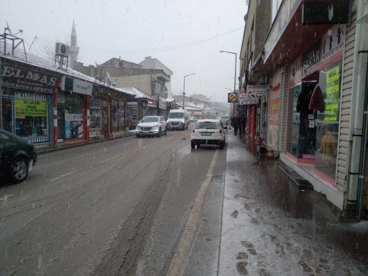 Konya'da kar yağışı sevinci