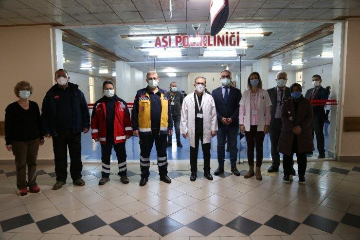 Sivas'ta ilk etapta 10 bin aşı