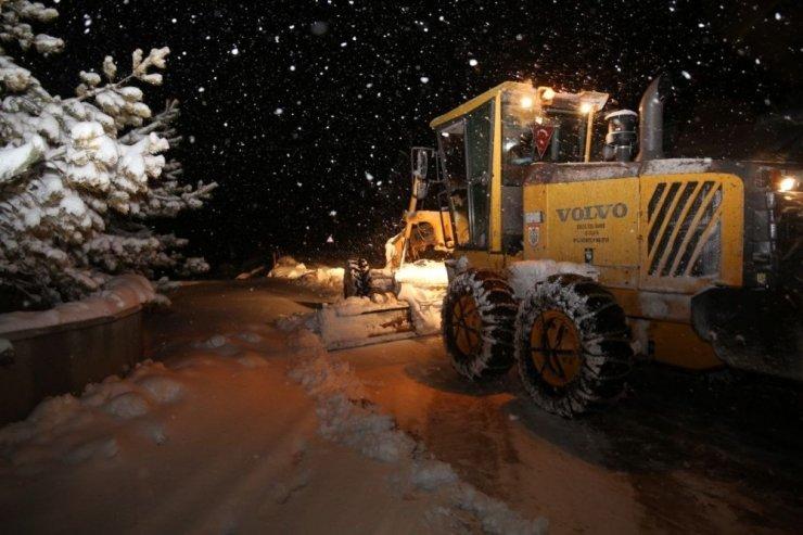 Sivas'ta 388 köy yolu araç ulaşımına kapandı