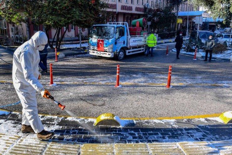 Eksi 40 dereceye kadar etkili 'BELÇÖZ' yol ve kaldırımlarda kullanılmaya başlandı