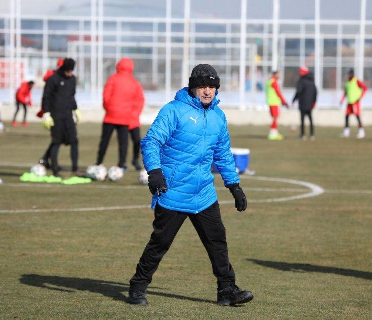 """Çalımbay: """"Fenerbahçe maçı zor geçecek"""""""
