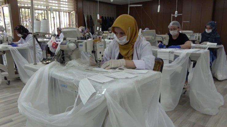Kırıkkale'de 160 milyon cerrahi maske üretildi