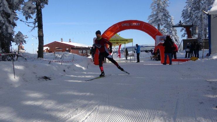 Ilgaz Dağı'nda Kayakla Oryantiring Yarışması yapıldı