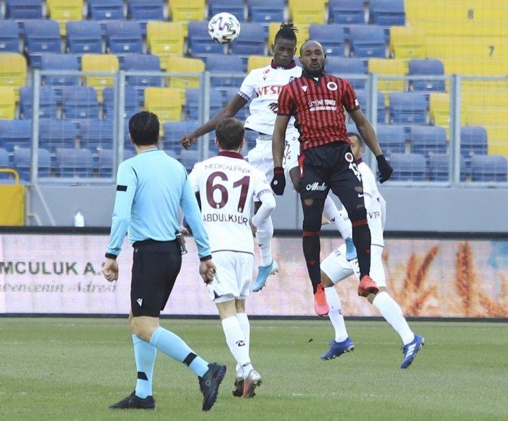 Süper Lig: Gençlerbirliği: 0 - Trabzonspor: 1 (İlk yarı)