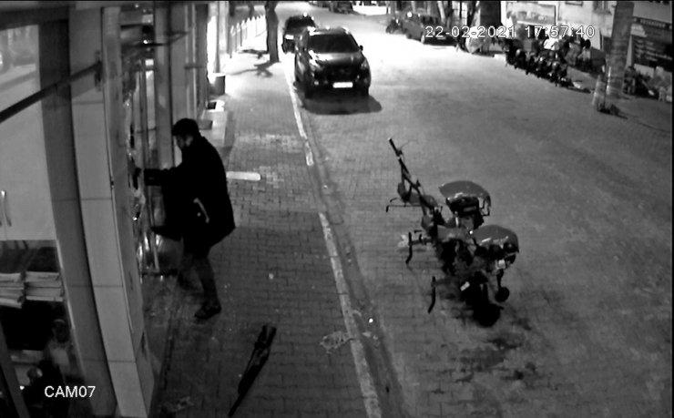 Av tüfeği ile havaya rastgele ateş açan alkollü şahıs korku saçtı