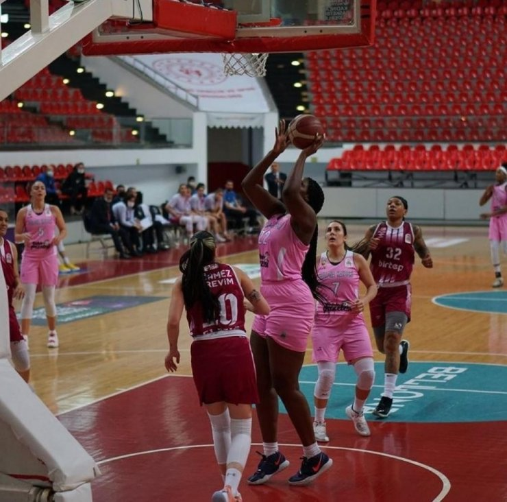 Bellona Kayseri Basketbol boyalı alanda 42 sayı buldu