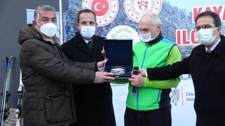 Diplomatik Kayak Yarışı'nda sporculara ödülleri verildi