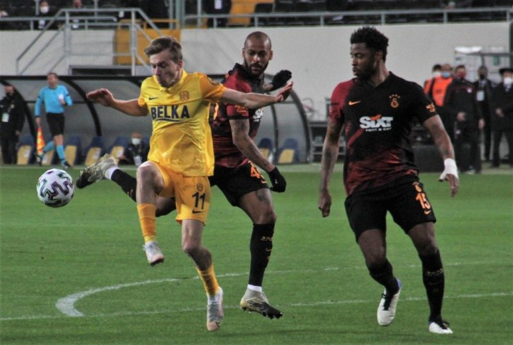 Süper Lig: MKE Ankaragücü: 1 - Galatasaray: 0 (İlk yarı)