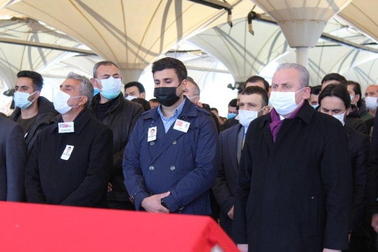 TBMM Başkanı Şentop protokol sorumlusu Yunus Şeker'in eşinin cenaze törenine katıldı