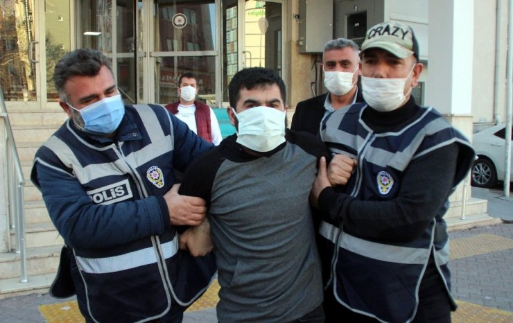 Kırşehir'deki vahşetin firari şüphelisi Mersin'de 5 kişinin öldürüldüğü cinayetlerden 65 yıl hapis cezası almış