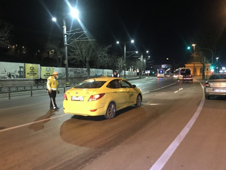 Konya'da 32 saatlik sokağa çıkma kısıtlaması başladı
