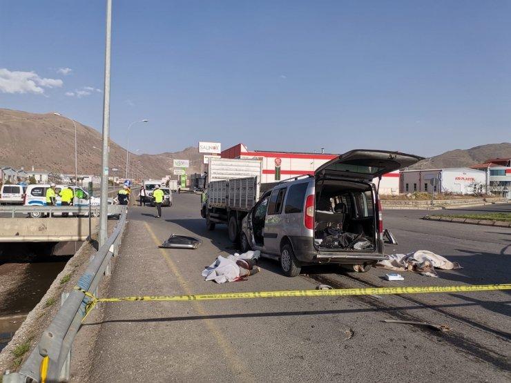 Kayseri'de feci kaza: 2 ölü, 1 yaralı