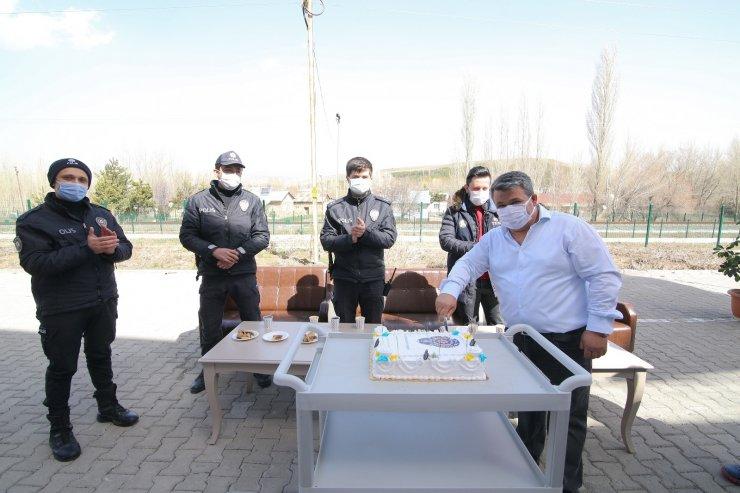 Hasta yakınları bize saldırıyor ihbarında bulunup, polis ekiplerine sürpriz yaptılar