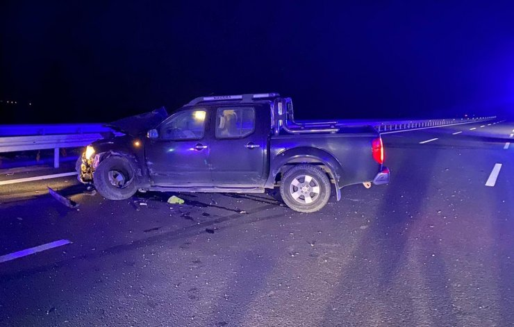 Alkollü sürücü trafik devriye minibüsüne çarptı: 1 ölü, 1 yaralı
