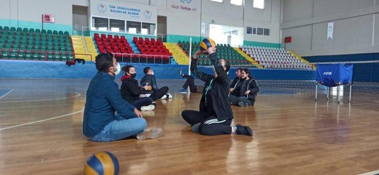 Kırşehir'de gaziler ve engelliler voleybol takımı oluşturuyor