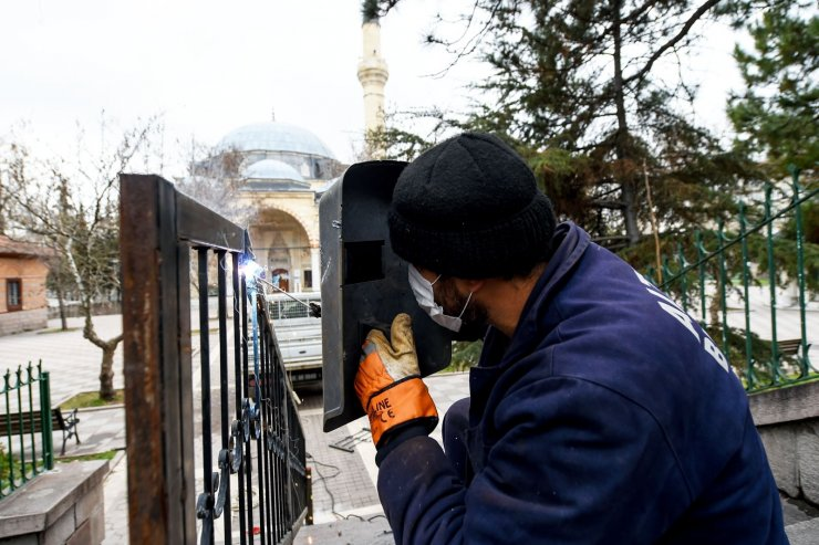 Tarihi camiye yoğun bakım