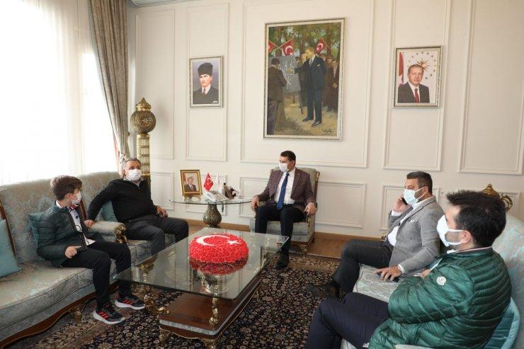 Beşiktaş Başkanı Çebi'den Sivas Valisi Salih Ayhan'a ziyaret