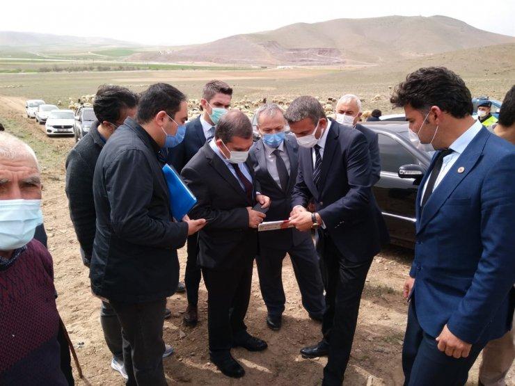 Vali Işık, Ağızboğaz köyünde incelemelerde bulundu