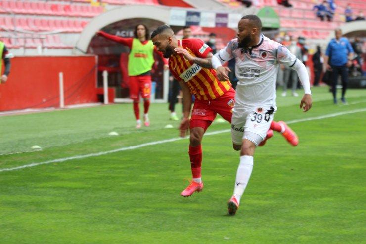 Süper Lig: Hes Kablo Kayserispor: 1 - Gençlerbirliği: 0 (İlk yarı)