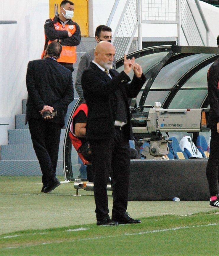"""Hikmet Karaman: """"Kıbrıs Türk Cumhuriyeti neden UEFA'da oynamıyor?"""""""