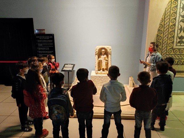 Minik arkeologlar Zeugma Mozaik Müzesi'nde