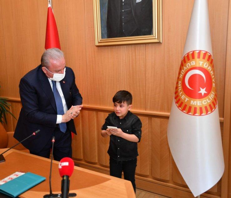 TBMM Başkanı Şentop 23 Nisan münasebetiyle Bağcılar Belediyesi'nin etkinliğine katılan çocukları kabul etti