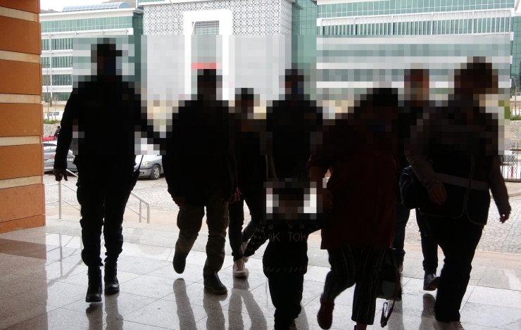 'Temiz Sokaklar' isimli fuhuş operasyonu: 8 gözaltı