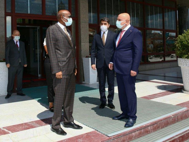 Cibuti Büyükelçisi Abdillahi'den Keçiören Belediyesine ziyaret