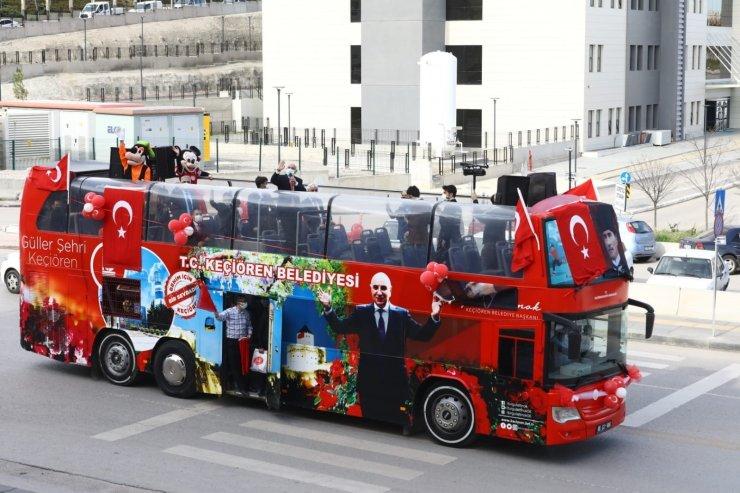 Keçiören'de üstü açık otobüsle 23 Nisan coşkusu