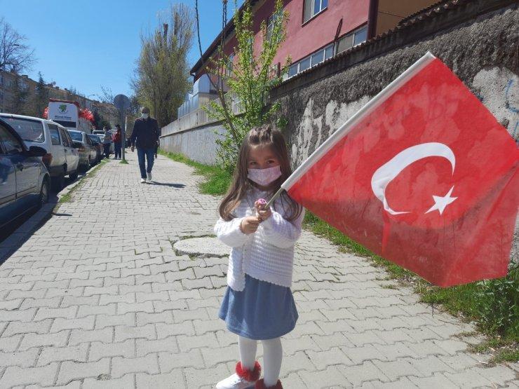 Mamak'ta 23 Nisan kutlamaları çocukların ayağına geldi