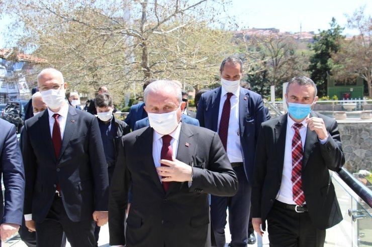TBMM Başkanı Şentop, Hacı Bayram Veli Camii'nde cuma namazı kıldı