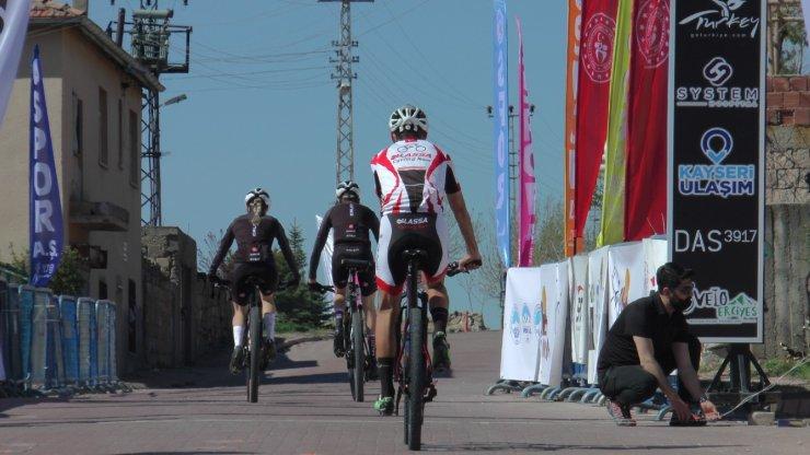'Best High Altitude MTB Cup' 12 ülkeden 55 bisikletçi ile Koramaz Vadisi'nde başladı
