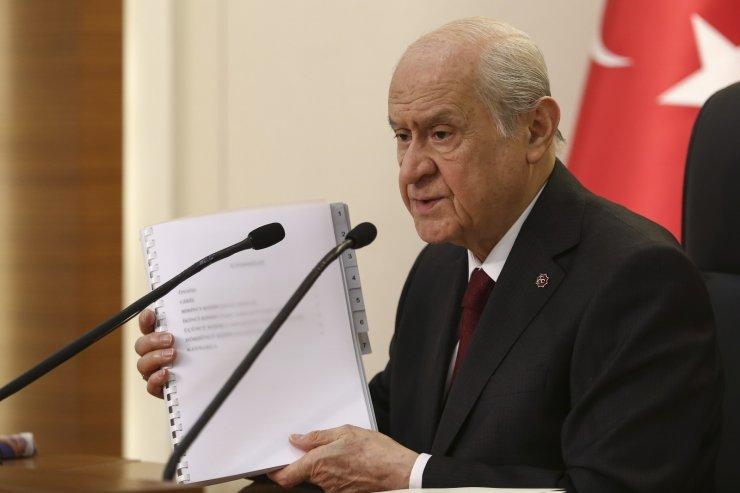 """Devlet Bahçeli: """"Yeni bir anayasa yapmak, Türkiye'nin '21'inci Yüzyılda Lider Ülke' gayesine muazzam bir hizmettir"""""""