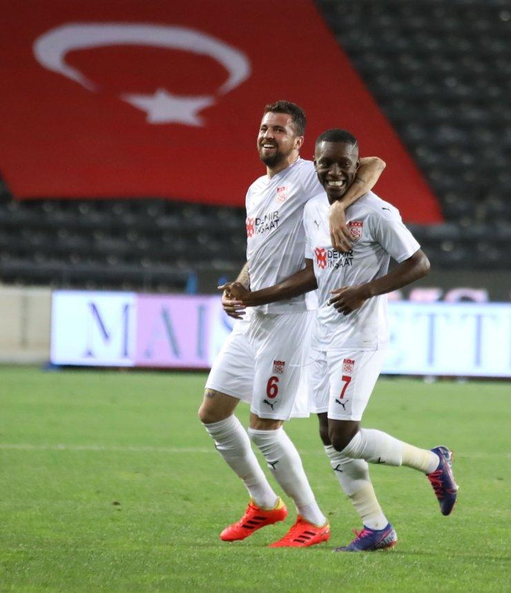 Sivasspor 'plaka' dedi!
