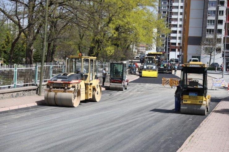 Melikgazi asfalt çalışmalarını aralıksız sürdürüyor