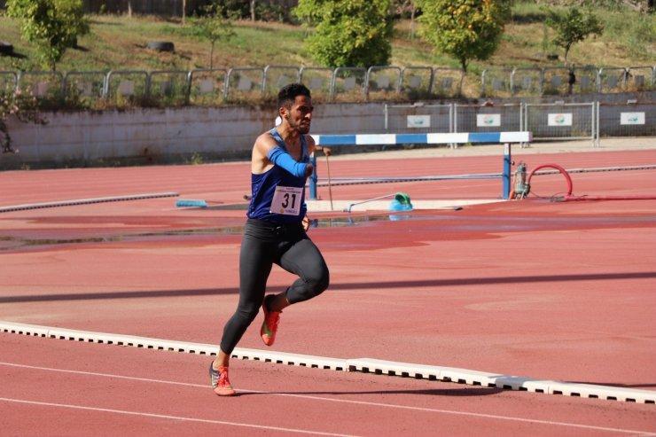 Sivaslı atletler yarışmadan 4 altın madalya ile döndü