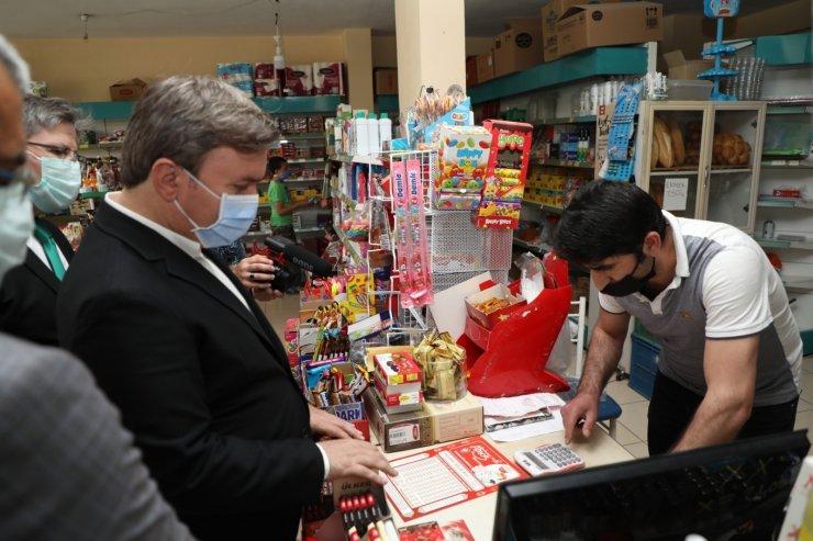 Aksaray Valisi Aydoğdu zimem defteri geleneğiyle vatandaşların borçlarını kapattı