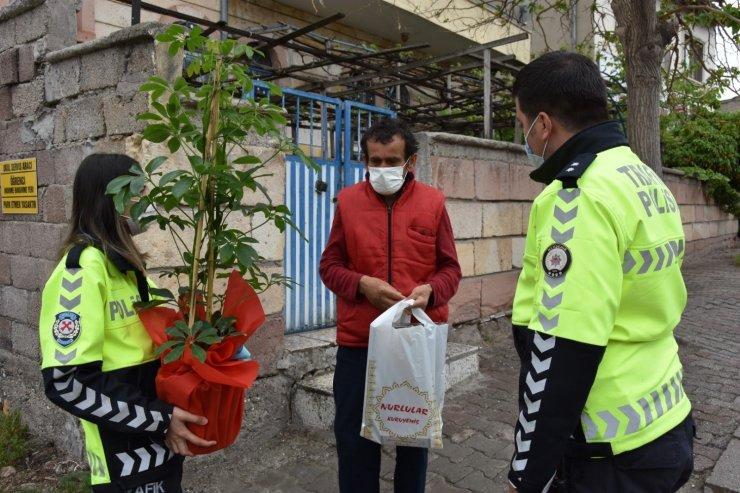 Trafik haftasında, trafik kazası geçiren vatandaşlar ziyaret edildi