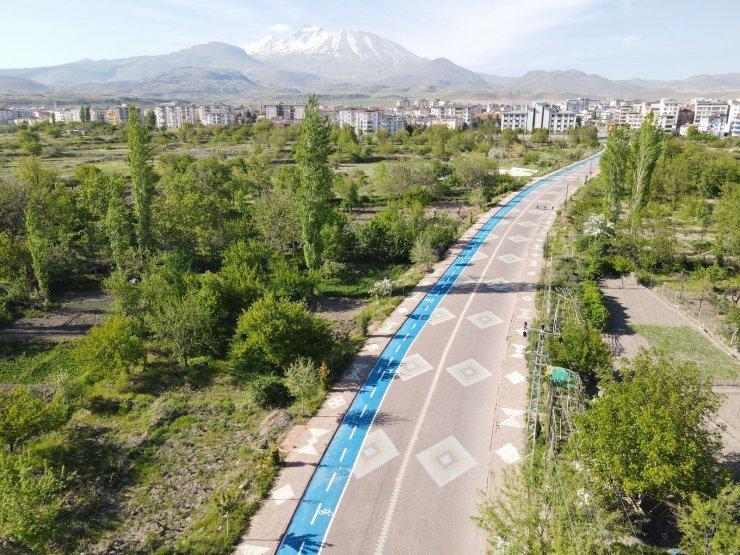 Develi'de 2 kilometrelik bisiklet yolu tamamlandı