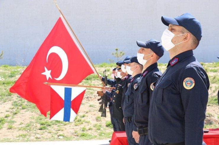 Eskişehir'deki 2001/2-1 tertip acemi erler and içti