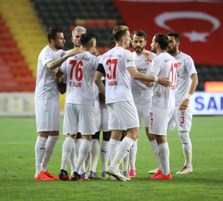 Sivasspor'da 4 futbolcu ceza sınırında!