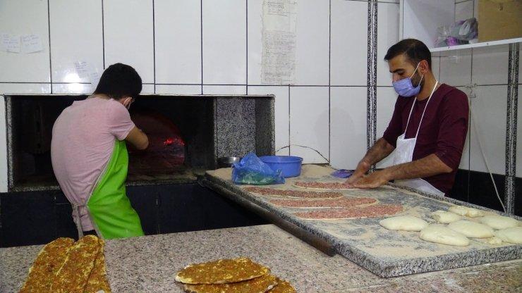Fırıncının evden al, pişir ve eve bırak hizmeti ilgi görüyor