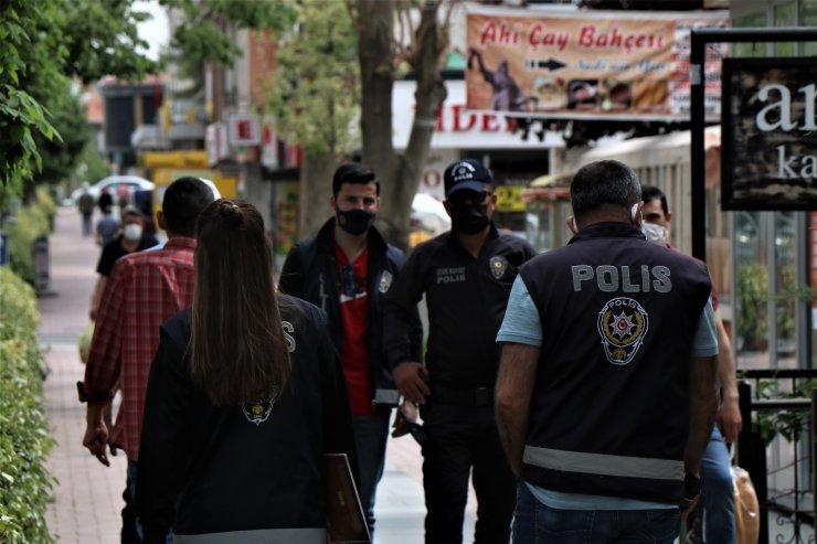 Kırşehir'de polis halkın kısıtlama ihlali yapmaması için aktif görev alıyor
