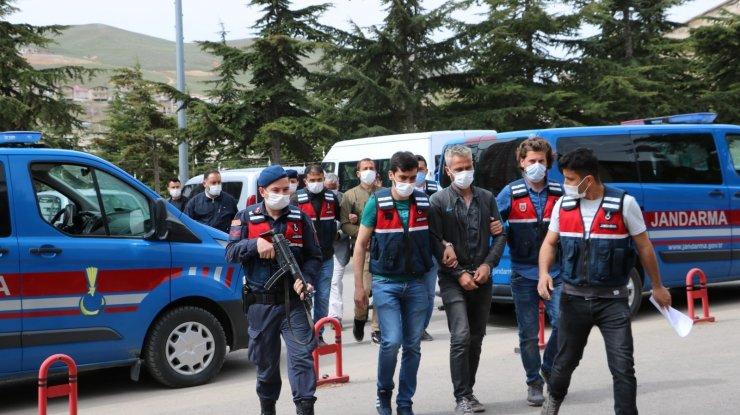 Niğde'de jandarma ekiplerinden uyuşturucu tacirlerine darbe: 6 gözaltı