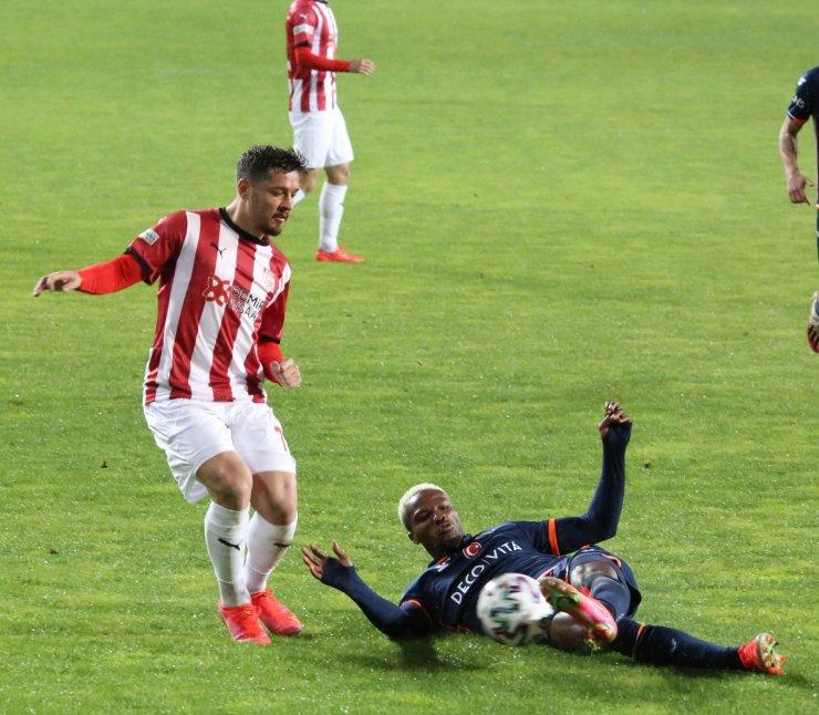 Süper Lig: DG Sivasspor: 0 - Medipol Başakşehir : 0 (Maç sonucu)