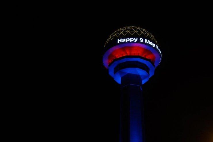 Başkent'in sembol binaları 9 Mayıs Avrupa Günü'nü dolayısıyla özel olarak ışıklandırıldı