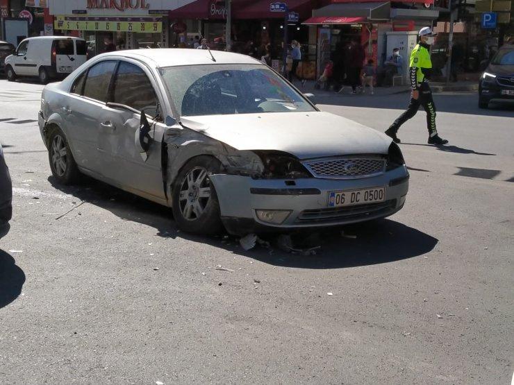 Kurallara uymayan genç kazaya yol açtı: 2 yaralı