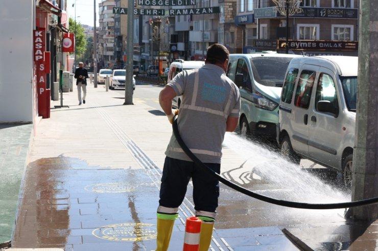 Belediye ekiplerinin bayram temizliği