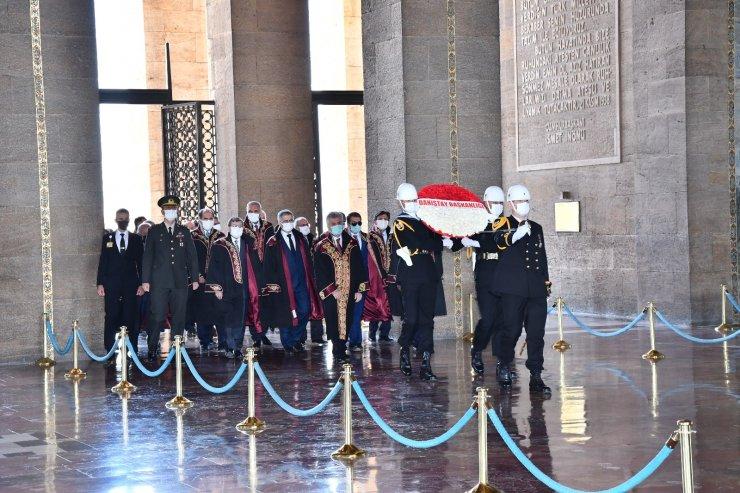 Danıştay Başkanı Yiğit ve beraberindeki heyet Anıtkabir'i ziyaret etti